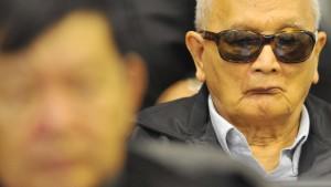 Rote-Khmer-Führungstrio vor Gericht