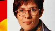 Mit diesem Motiv warb die CDU im Bundestagswahlkampf 1994 im Saarland für Annegret Kramp-Karrenbauer.