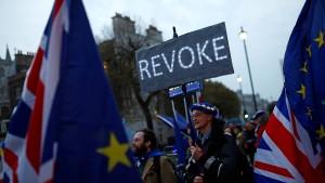 Oberhaus gibt Parlament mehr Kontrolle über Brexit-Prozess