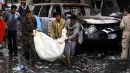 Viele Tote bei Luftangriff auf Trauerfeier