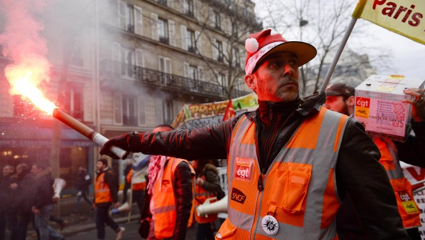 Französische Bahn streicht Großteil der Züge an Heiligabend