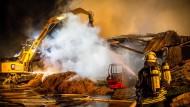 Feuer auf dem Reiterhof noch immer nicht gelöscht