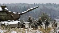 Nato baut dauerhafte Präsenz in sechs östlichen Mitgliedstaaten auf