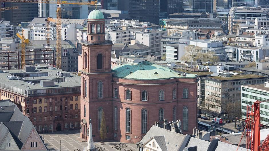 Bei dem Umbau der Frankfurter Paulskirche sind einige Aspekte zu beachten.