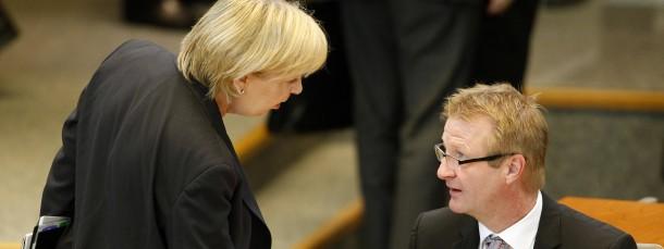 """Ministerpräsidentin Hannelore Kraft und Innenminister Ralf Jäger (beide SPD):  Ein """"großer Kraftakt"""" nötig, um Flüchtlinge aufzunehmen"""