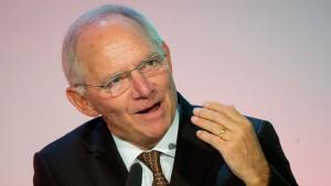 Schäuble will höhere Zinsen