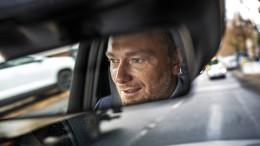 Herr Lindner und die Liebe zum Auto