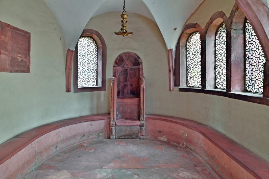 Thron der Weisheit: Der Raschi-Stuhl in der Jeschiwa im Synagogenhof Worms