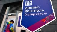 """Eine Kontrollstation bei den Olympischen Winterspielen im russischen Sotschi 2014: Doch was waren diese """"Kontrollen"""" wert?"""