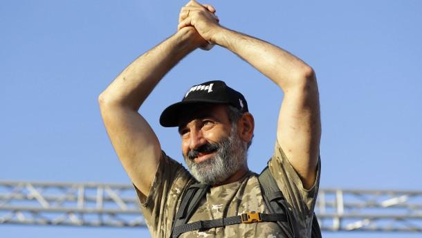Paschinjan zum neuen Regierungschef gewählt