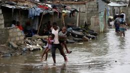 Hilfslager in Mosambik schwer zu erreichen