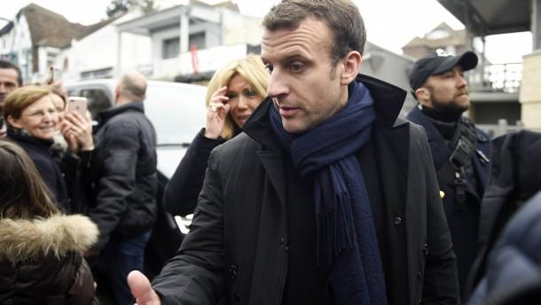 Zahl der Parlamentarier in Frankreich soll drastisch sinken