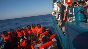 Italien ermittelt gegen deutsche Flüchtlingsretter