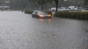 Berlins Straßen stehen unter Wasser