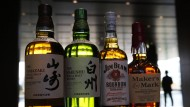 Japanische Whiskys neben der Konkurrenz aus Amerika