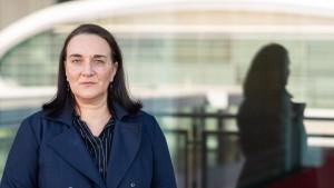 """Nicht schreiben, um schreiben zu können: Terézia Mora über """"Fleckenverlauf"""""""