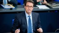 Sieht sich mit harten Vorwürfen konfrontiert: Verkehrsminister Andreas Scheuer (CSU)