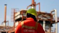 Desalter-Anlage im indischen Ahmedabad: Indien ist auf billige Öl-Importe aus dem Iran angewiesen.