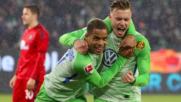 Wolfsburg beschert Schmidt ersten Sieg