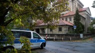 Vor der Synagoge im Frankfurter Westend: Auch hier hält die Polizei Wache.
