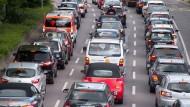 Umweltschützer fordern ein Diesel-Fahrverbot für die belastete Innenstadt Stuttgarts