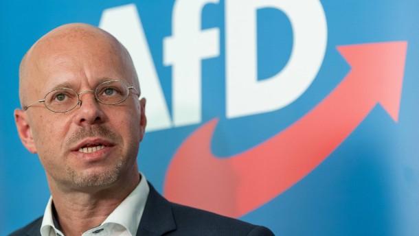 Berliner Landgericht verhandelt über Eilantrag von Kalbitz