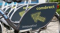 Comdirect-Fahrräder vor dem Sitz der Bank