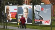 Wen wählen? Wahlplakate von Wolfgang Kubicki (FDP), Daniel Günther (CDU) und Torsten Albig (SPD)