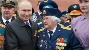 Jetzt gibt Putin auch noch den Chefhistoriker