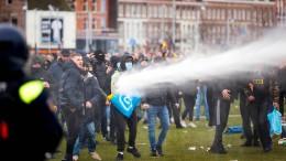 Proteste und Krawalle in den Niederlanden