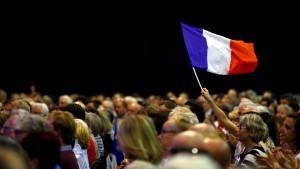Dax steigt nach Frankreich-Wahl auf neuen Höchststand