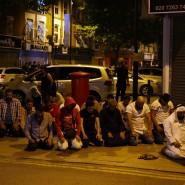 Im Gebet: Muslime nach dem Anschlag in der Nähe der Finsbury-Moschee in London