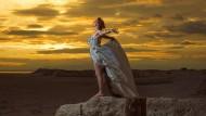 Ins Dunkle steigen und ein Licht hinstellen: Amanda Palmer