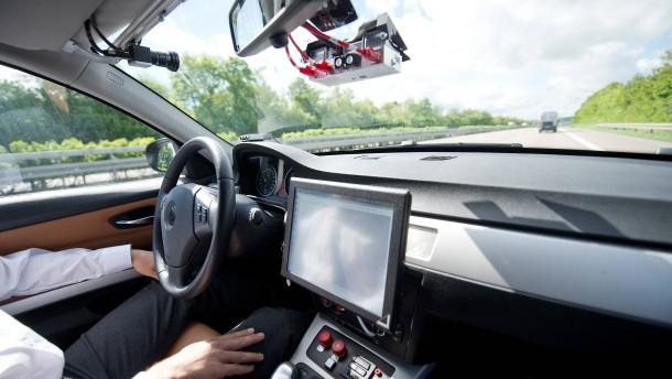Warnung vor Hackerangriffen auf Autos
