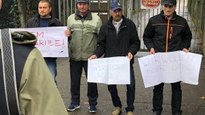Rumänische Bauarbeiter kritisieren Lohnprellerei