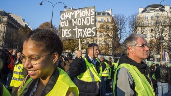 Proteste gegen hohe Spritpreise fordern 229 Verletzte und eine Tote