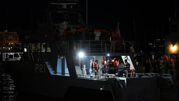 """Flüchtlinge dürfen """"Alan Kurdi"""" vor Malta verlassen"""