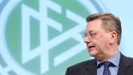 DFB wehrt sich in WM-Affäre