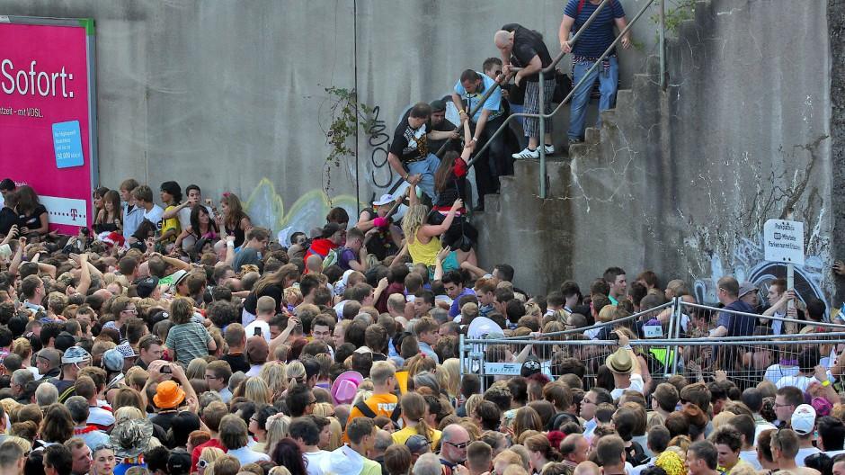 Es wurde immer enger: Unglück bei der Loveparade 2010