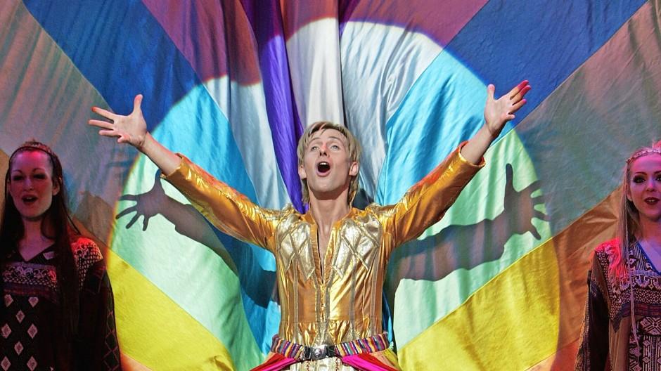 "So bunt wie die Poesie: Szene aus Andrew Lloyd Webbers Musical ""Joseph and the Amazing Technicolor Dreamcoat"", London 2004"