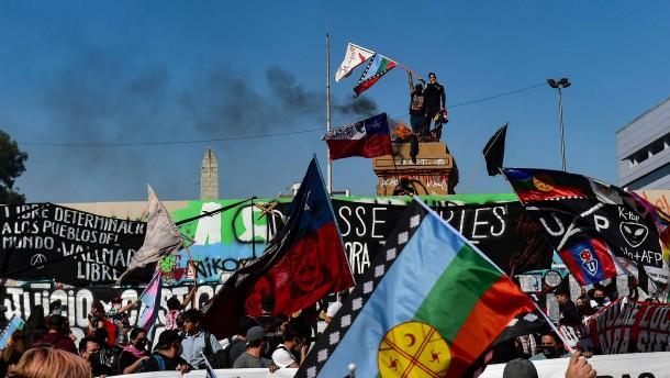 Tausende demonstrieren für mehr soziale Gerechtigkeit