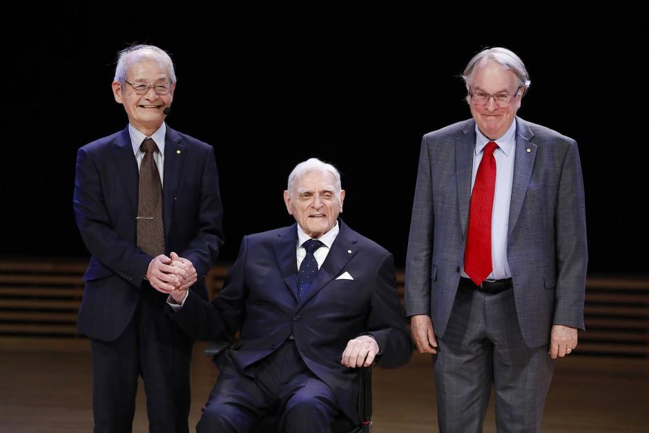 Die Chemienobelpreisträger 2019 Akira Yoshino, John Goodenough und Stanley Whittingham nach ihren Nobelpreis-Vorlesungen in Stockholm