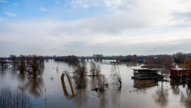 Tausende Niederländer müssen ihre Häuser verlassen