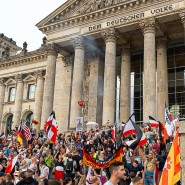 Angriffe auf die Demokratie nicht nur in Washington: Corona-Maßnahmengegner versuchten im August, in den Reichstag einzudringen.