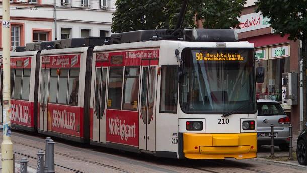 25 Verletzte Stra Enbahn In Mainz Entgleist