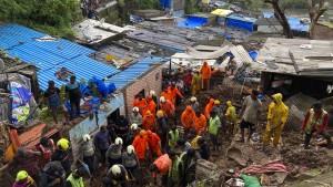 Mindestens 26 Tote nach Einsturz von Häusern bei Monsunregen in Indien