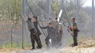Nicht mehr weit weg vom Schießbefehl gegen Flüchtlinge