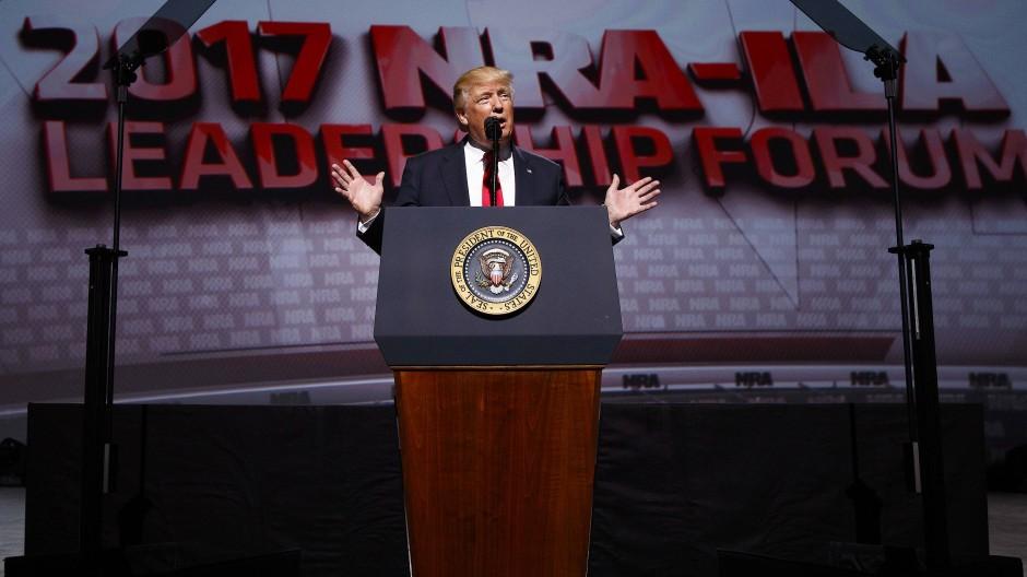 Donald Trump: Der Waffenfreund im Weißen Haus - Kommentar