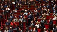 Halbe-halbe? Ein Blick in die Reihen der des französischen Parlaments.