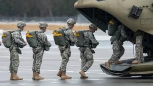 Amerika verlegt zusätzliche Soldaten nach Deutschland
